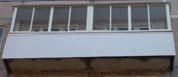 Остекление балкона 700х6000х700х1500 мм.